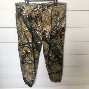 OUTFITTERS RIDGE Camo Sweatpants Size XL